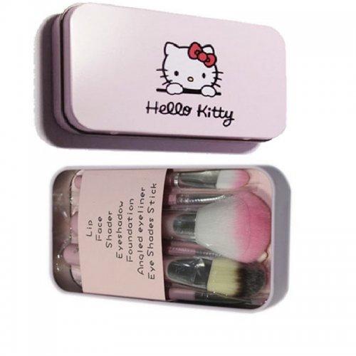 Розова кутия със седем четки за грим