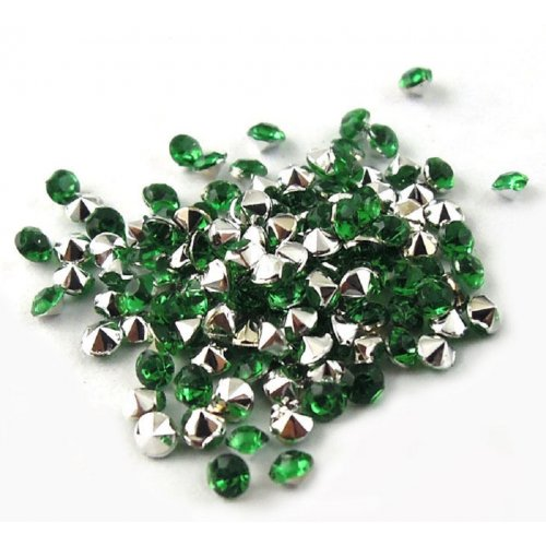 Диамантчета 2 милиметра в зелено