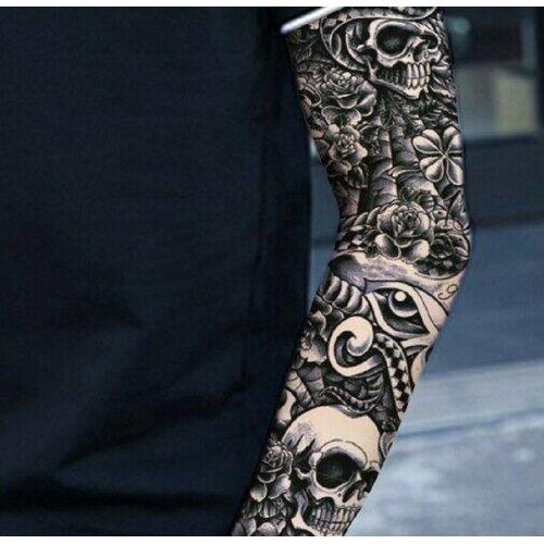 Черно-бяла татуировка за цяла ръка