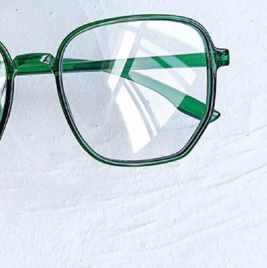 Очила с прозрачно зелени рамки и стъкла за компютър