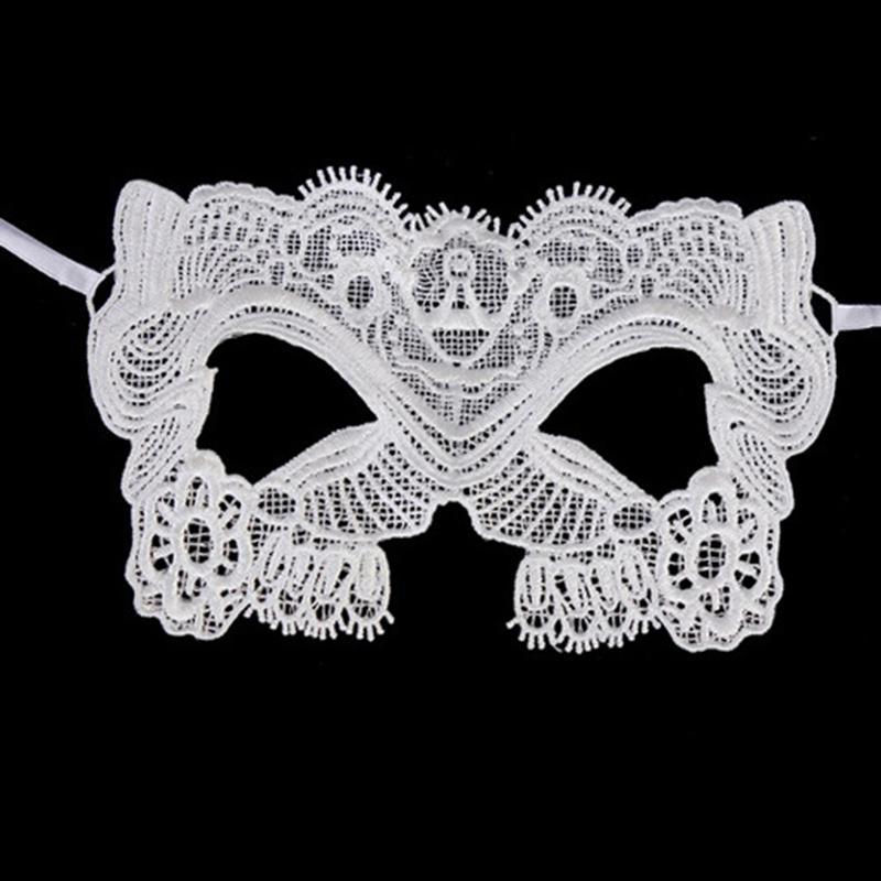 Бяла дантела маска за карнавал