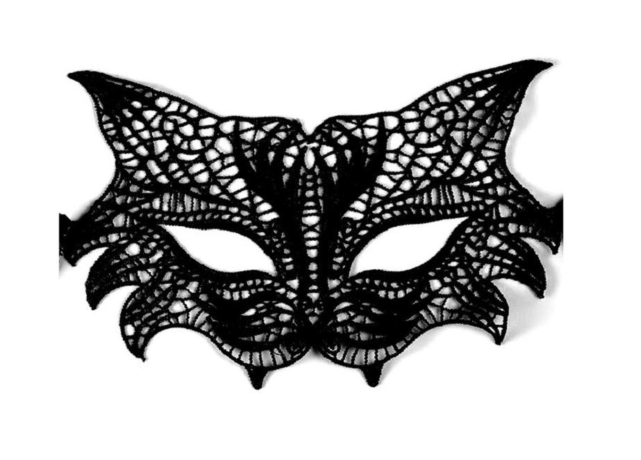 Черна дантелена маска дива котка