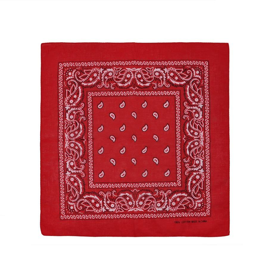 Червена кърпа за глава