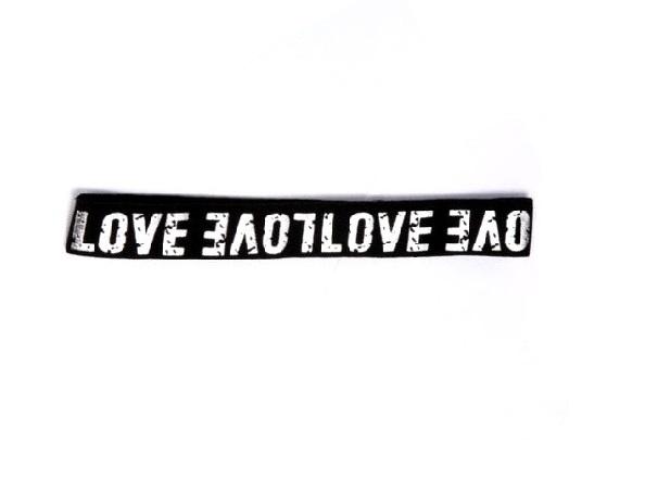 Лента за чело с надпис LOVE