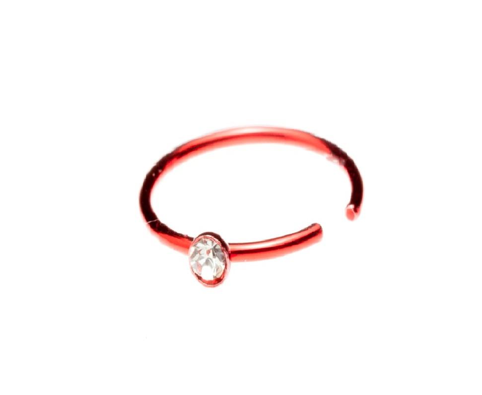 Червена обеца с прозрачно камъче