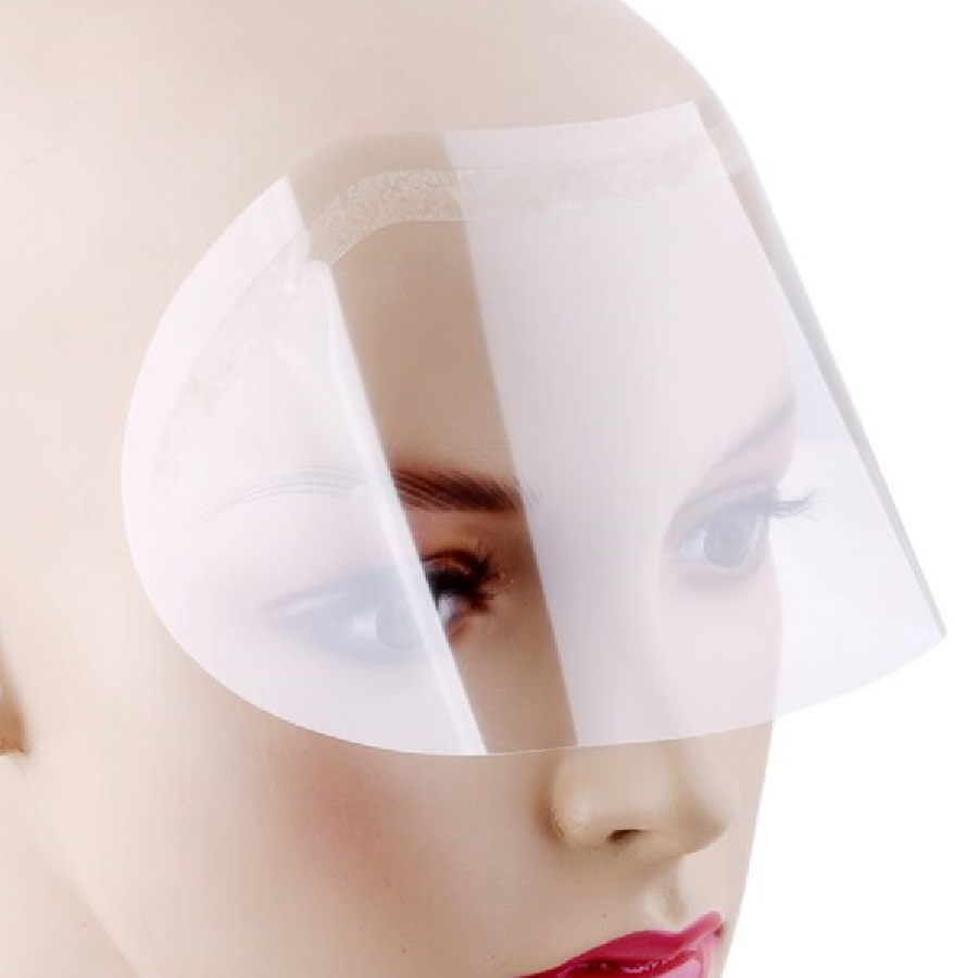 Прозрачен шлем по време на подстигване