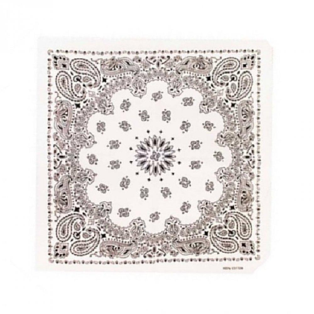 Бяла кърпа с орнаменти