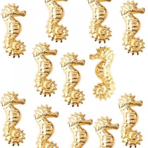 Водни кончета за маникюр в златно