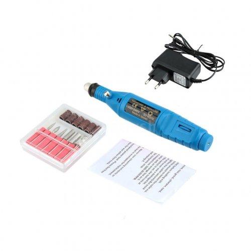 Електрическа пила  в синьо