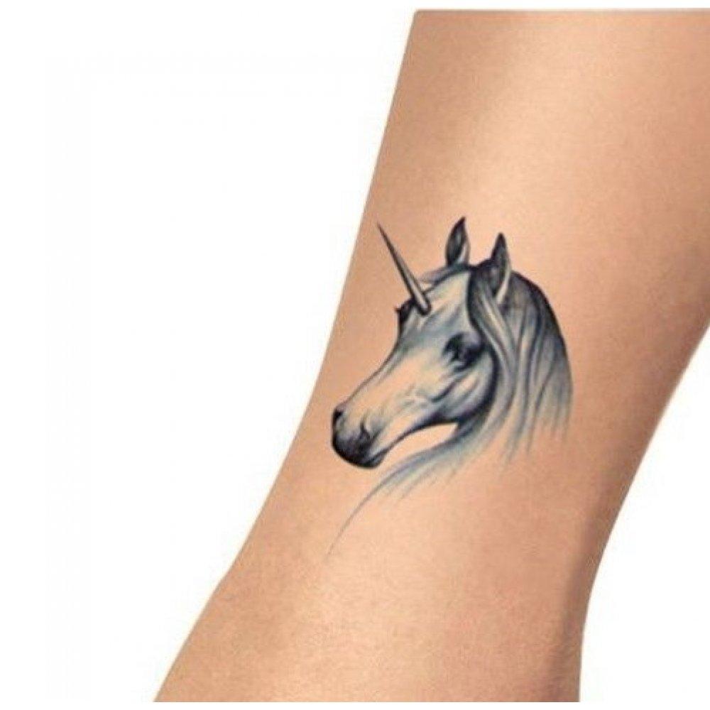 Временна татуировка на еднорог